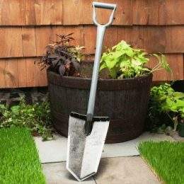 Как выбрать инструмент для дачи – лопаты, секатор, грабли