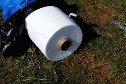 Нетканые материалы – виды, применение для выращивания клубники